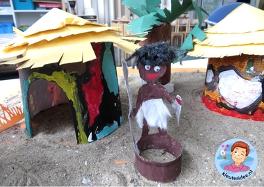 Hut knutselen van Ndbele stam uit Afrika,kleuteridee, thema Afrika, kindergarten Africa theme 3.