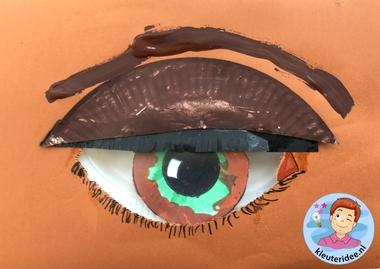 Een oog knutselen met kleuters, thema het oog, kleuteridee 2.