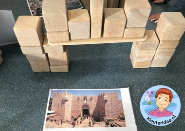 Bouwwerken in de bouwhoek door kleuters, thema Israël 3, kleuteridee