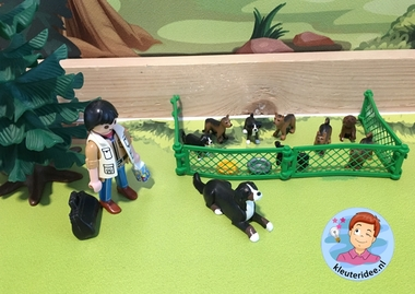 thematafel hondenschool, thema de hond, kindergarten dog theme, kleuteridee 3