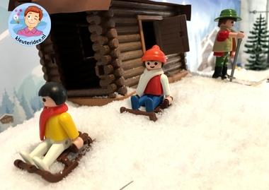 Achtergrond bergen winter 10 k, kinderspeelmat