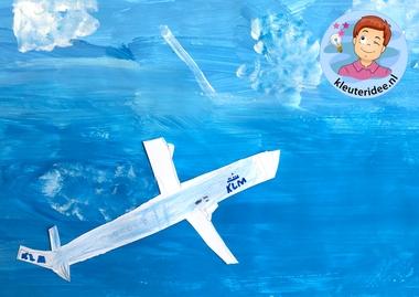collage vliegtuig, kleuteridee, Kindergarten plane craft 2