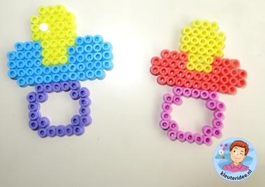 Speen van strijkkralen, thema baby, Kindergarten craft, teat hama beads, kleuteridee