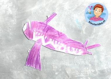 collage vliegtuig, kleuteridee, Kindergarten plane craft 3