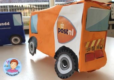 auto'van pakketdiensten maken met kleuters 2, thema post en pakket, kleuteridee.