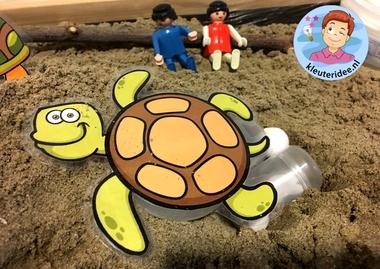 thematafel schildpad, kleuteridee, schildpaddenstrand met eieren 6