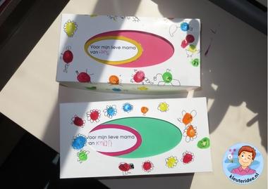 Tissuedoos met vingerverf en fineliner 2, kleuteridee.nl, moederdag voor kleuters