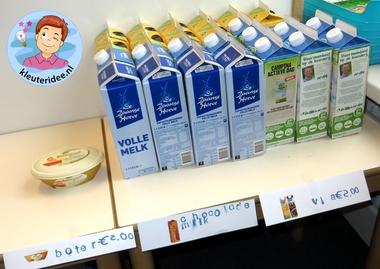 Boerderijwinkel kleuteridee, thema de koe, kindergarten farmshop roleplay 5.