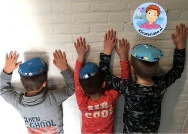 keppel knutselen met kleuters, Kindergarten kippa craft, thema Israël kleuteridee