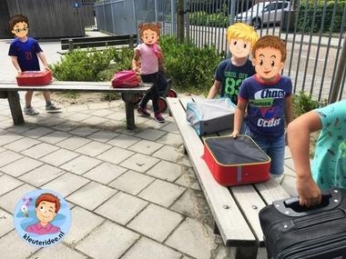 Bagageband vliegveld, kleuteridee, rollenspel, Kindergarten airport role play k