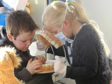 Tandartspraktijk in de kleuterklas, kleuteridee.nl, dental practice for preschool, role play 5