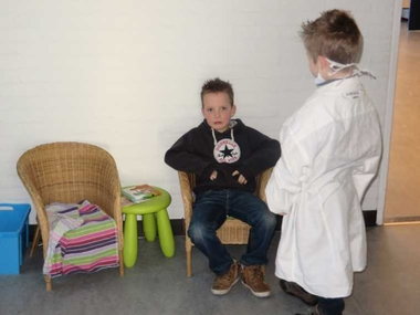 Wachtkamer, thema tandarts voor kleuters, kleuteridee.nl , dentist waiting room role play