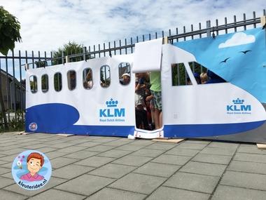 Groot vliegtuig voor kleuters, kleuteridee, rollenspel, Kindergarten airport role play 2 k