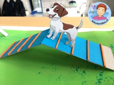 hondenschool knutselen, thema de hond, Kindergarten dog agility craft, kleuteridee.nl 2