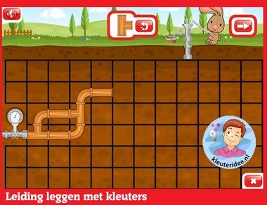Leiding leggen met kleuters op digibord of computer op kleuteridee.nl