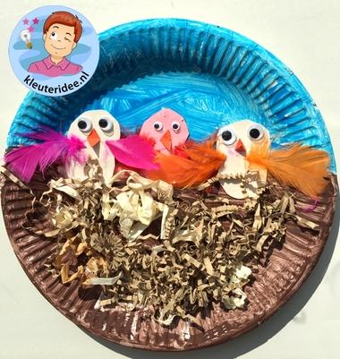 vogelnestje knutselen met kleuters, Spring theme craft kindergarten, kleuteridee 3