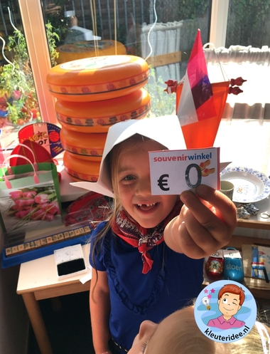 souvenirwinkel rollenspel tehmahoek Nederland, kleuteridee, thema Nederland met kleuters