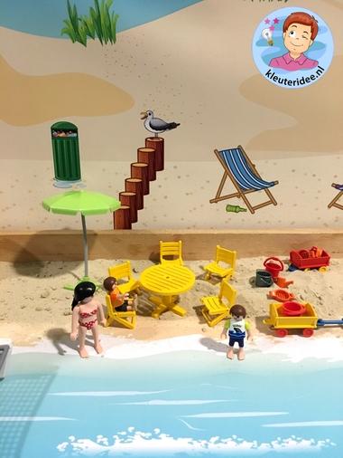 Thematafel strand, met speelkleden , thema zomer, kleuteridee 4