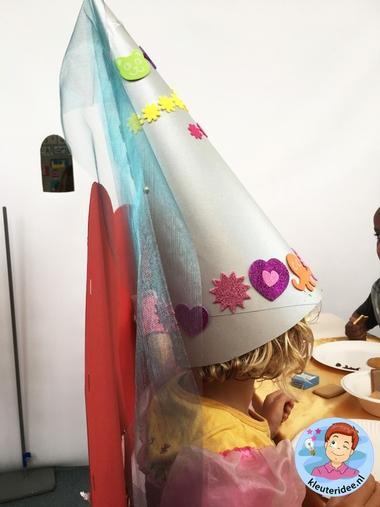 Hoed voor jonkvrouw, thema ridders en jonkvrouwen, kleuteridee, noblewomen hat, kindergarten knights theme 2
