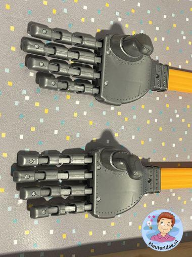 Robotarm thematafel robot, kleuteridee