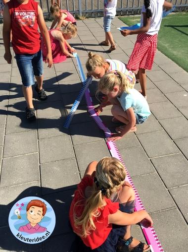 Buiten meten, bewegend leren, kinderspeelmat
