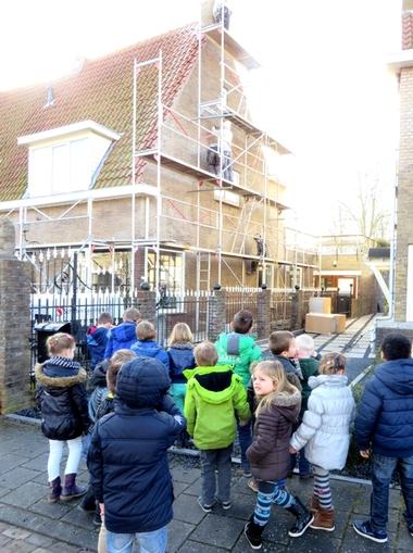 Excursie met kleuters naar de bouwplaats, kleuteridee, thema wij bouwen een huis 3