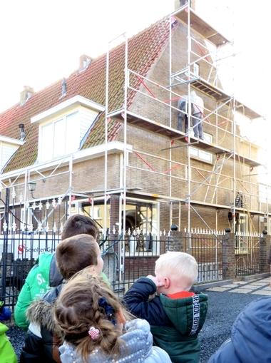 Excursie met kleuters naar de bouwplaats, kleuteridee, thema wij bouwen een huis 4