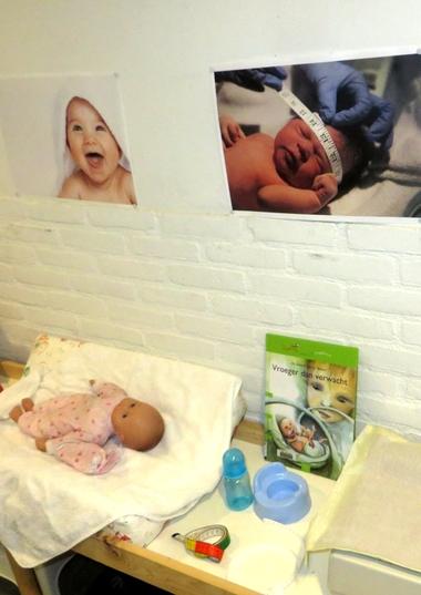 Zuigelingenbureau met rekenactiviteiten voor kleuters 10, thema baby's, kleuteridee.nl, met gratis groeiboekje download