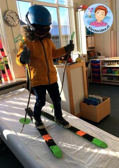 ski knutselen, thema bergen met kleuters, kindergarten ski craft, kleuteridee 34