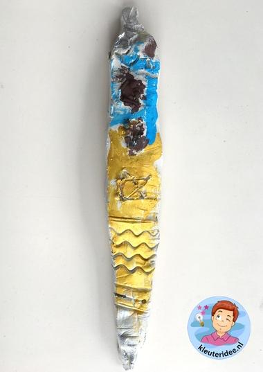 Mezoeza van klei met kinderen, Kindergarten mezuzah craft, kleuteridee