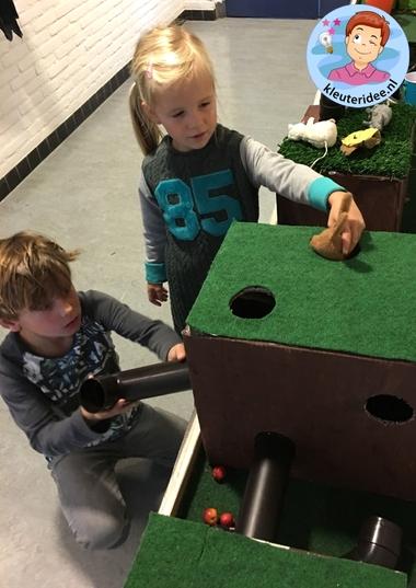 Themahoek, dieren onder de grond, kleuteridee, Kindergarten underground animals themed area 8