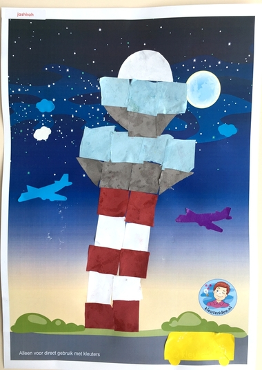 Verkeerstoren knutselen met 16 vierkantjes, thema vliegveld, kleuteridee, Kindergarten control tower craft, airport theme 4