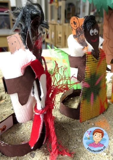 Mensen uit Afrika knutselen van toiletrollen,kleuteridee, thema Afrika, kindergarten Africa people craft 6.