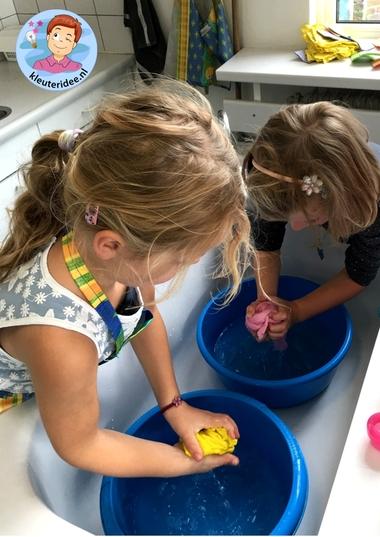 Handwas, rollenspel voor kleuters, kleuteridee.