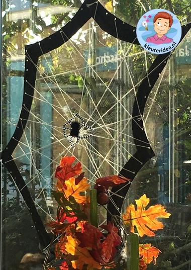 Spinnenweb knutselen, thema herfst, kleuteridee