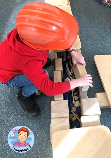 Riool bouwen in de bouwhoek 2, thema water, kleuteridee