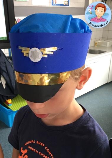 Pet van de piloot knutselen, thema vliegveld, kleuteridee, Kindergarten pilot hat 3