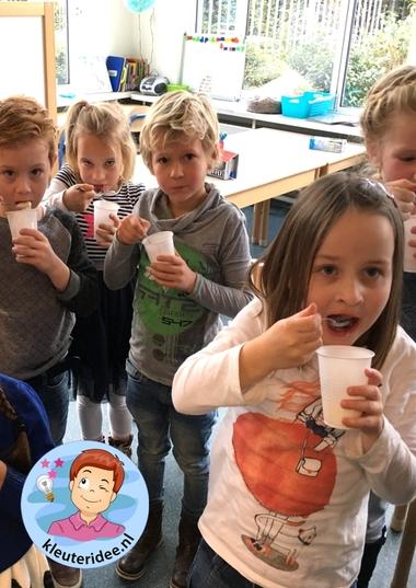 Yoghurt maken, kleuteridee.nl, thema de koe.