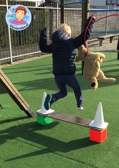 hondenschool, rollenspel met kleuters, thema de hond, Kindergarten dog agility roleplay, kleuteridee.nl 3