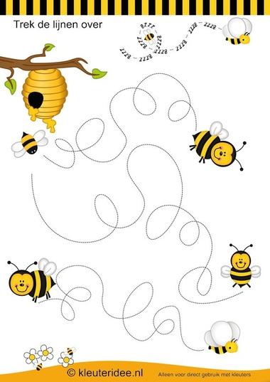 Schrijfpatroon bijen , kleuteridee.nl , thema bijen voor kleuters, bees writing pattern , bees theme for preschool , free printable.