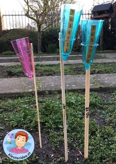 regenmeter maken met kleuters, thema water, kleuteridee