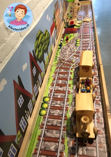 Speeltafel thema de trein, kleuteridee, Kindergarten Railroad thema, play area 4