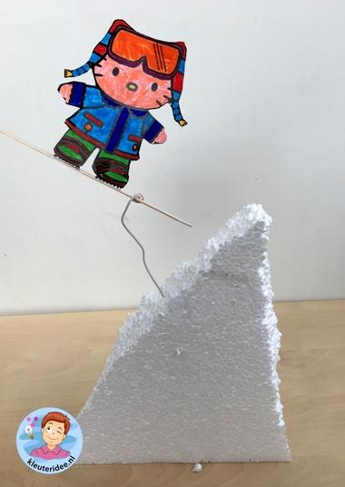 Snowboarder knutselen, kindergarten sowboarding kids craft, mountains theme, thema bergen, kleuteridee 3