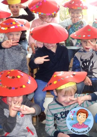 Chinese hoed knutselen met kleuters, Chinese hats for kindergarten, kleuteridee.nl