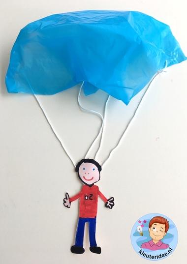 parachute knutselen, kleuteridee, kindergarten parachute craft k
