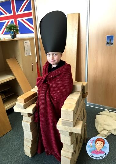 Hokje voor de guard in de bouwhoek, thema Engeland, Kleuteridee 2