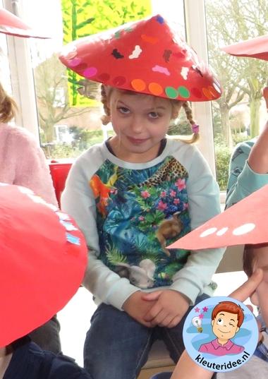 Chinese hoed knutselen met kleuters 2, Chinese hats for kindergarten, kleuteridee.nl