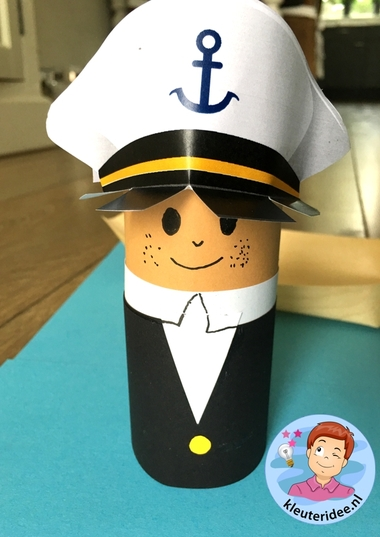 Kapitein knutselen met kleuters, thema de haven, kleuteridee, kindergarten sailor craft paper