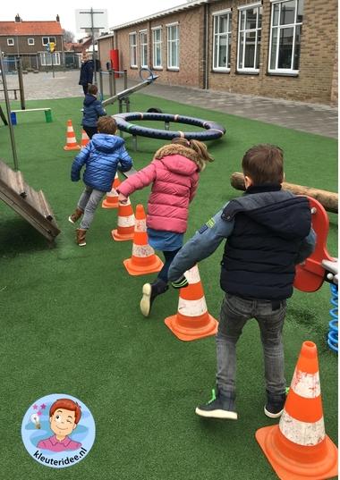 hondenschool, rollenspel met kleuters, thema de hond, Kindergarten dog agility roleplay, kleuteridee.nl 7