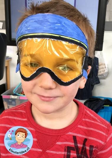 Skibril knutselen met kleuters 3, kindergarten mountains theme, kleuteridee